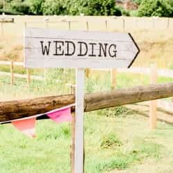sign to the wedding